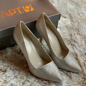 Apt. 9 Ivory & Silver Shoes Size: 9